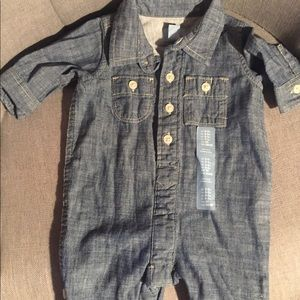 Perfect for Fall 🍁 Denim Overalls. NWT